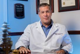 5 Points To Consider While Looking For A Back Surgeon