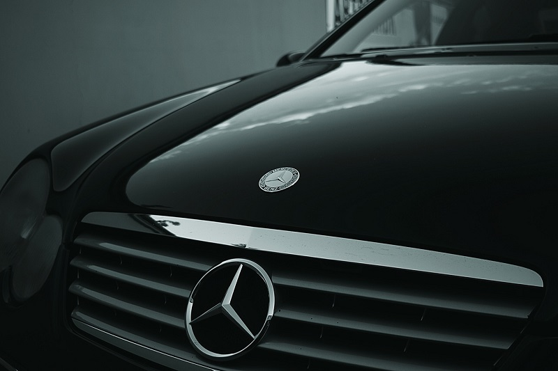 Why Do You Need A Professional Mercedes Service?