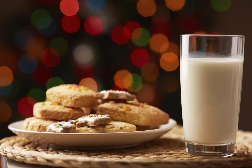 Want To Make Hosting Christmas Dinner Much Easier? Here's How