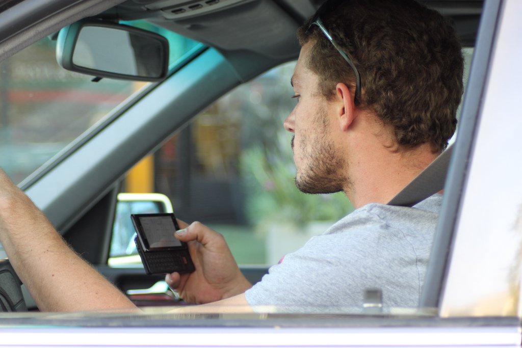 7 Situations and Factors That Contribute To Distracted Driving In America