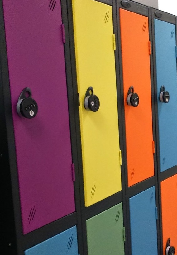 Acquaint Yourself With The Perks and Cues of Buying Lockers Online