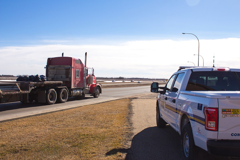 5 Things Truck Drivers Wish Other Drivers Knew About Large Trucks and Collisions