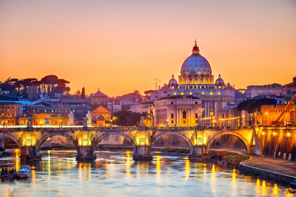 What Makes Italy The Preferred Destination For A Degree In Luxury Brand Management?
