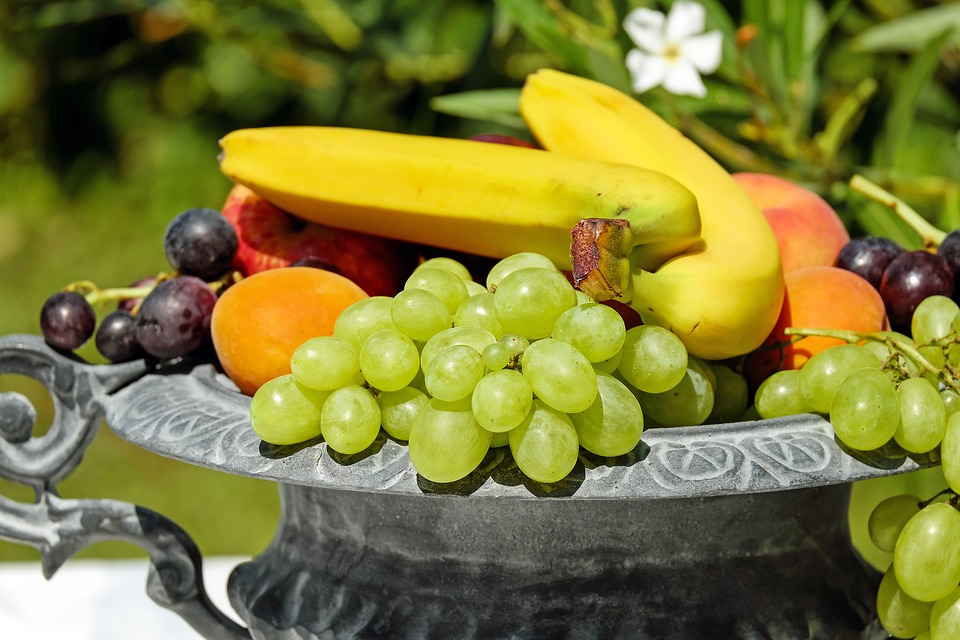 Want To See Wonders On Your Skin? Try These Fruity Diets!