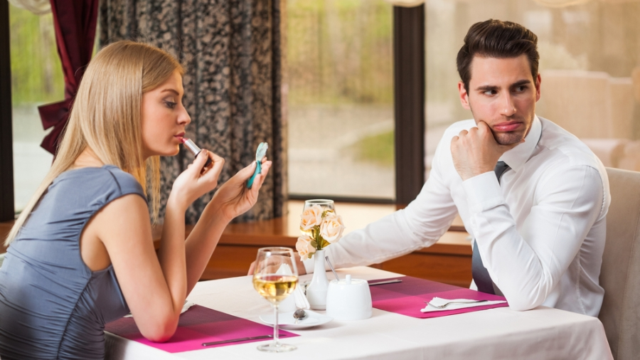 3 Ways Guys Can Ruin A First Date